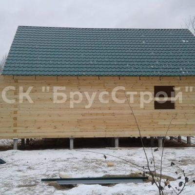 Дом под усадку, из профилированного бруса 145 х145 , с размером 9 м х 9м. Адрес: Московская обл Раменский район, д Нестерово.